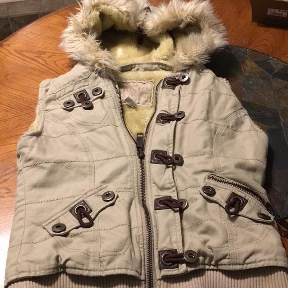 BKE Jackets & Blazers - BKE Sleeveless vest jacket